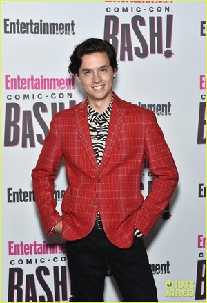 Riverdale cast hit the red carpet at EW's 2018 Comic-Con Bash on Saturday