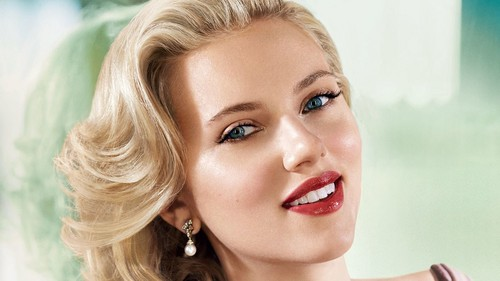 Pelakon wanita kertas dinding titled Scarlett Johansson