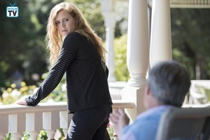"""Sharp Objects """"Cherry"""" (1x06) promotional picture"""