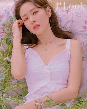 Son Ye Jin - 1st Look Magazine vol. 154