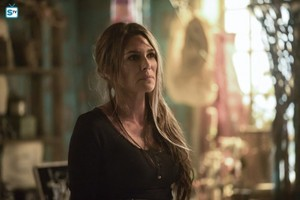 The 100 - Episode 5.07 - Acceptable Losses - Promotional фото
