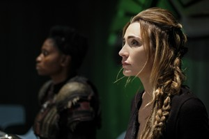 """The 100 """"The Dark Year"""" (5x11) promotional picture"""
