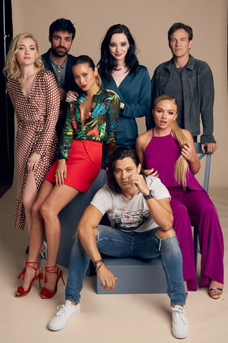 The Gifted (TV Series) Обои entitled The Gifted Cast at San Diego Comic Con 2018 - THR Portrait