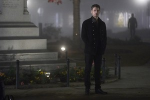 "The Originals ""The Tale of Two Wolves"" (5x12) promotional picture"