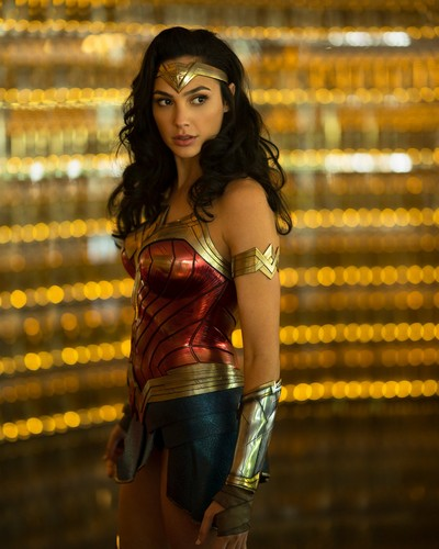 Wonder Woman (2017) پیپر وال called Wonder Woman 1984 - Still - Diana Prince