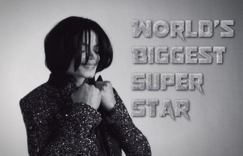 Michael Jackson Hintergrund called World's Biggest Superstar, Most Famous Person Ever