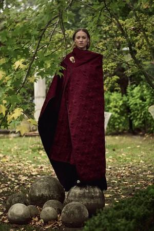 Yvonne Strahovski ~ Vogue Australia Photoshoot