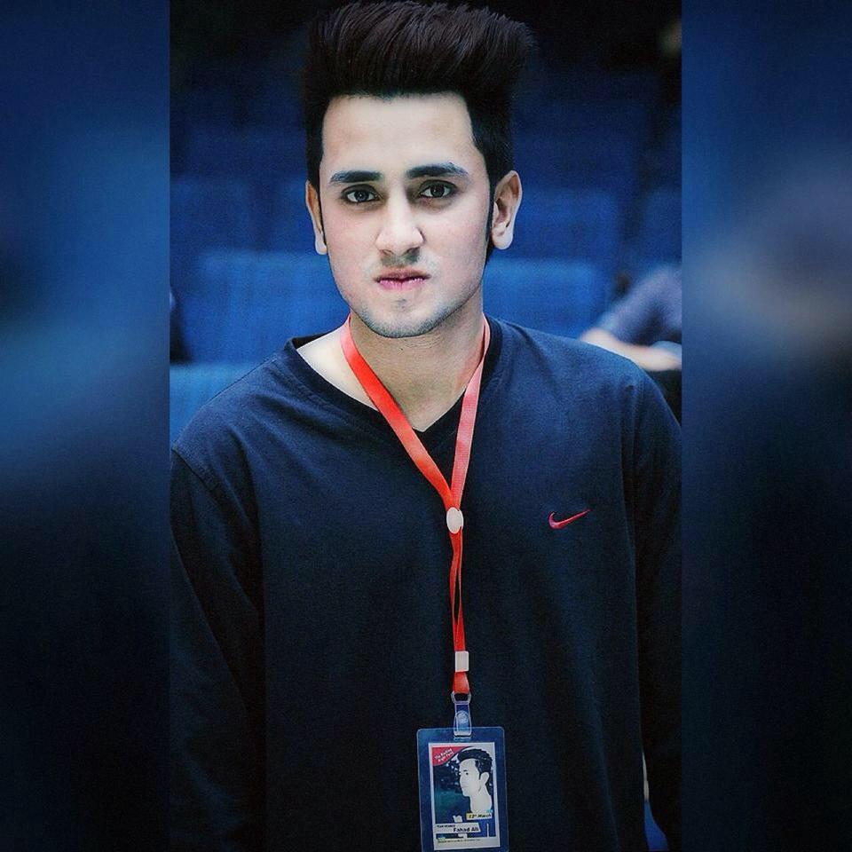 Pakistani Boys Hairstyle 2018 Meninos Do Emo Fotografia 41443653 Fanpop