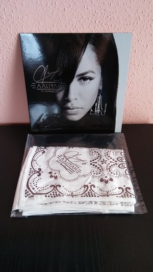 Aaliyah MAC *bandana* (my personal collection)