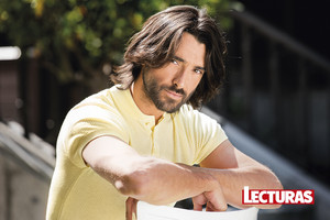 Aitor Luna at Lecturas Magazine Photoshoot