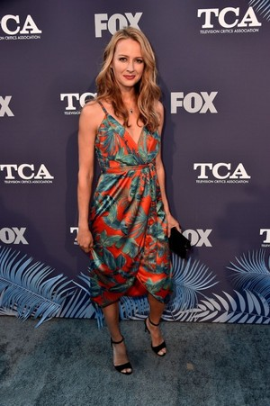 Amy Acker attends the fox Summer TCA 2018 All-Star Party
