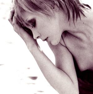 Anna Tsuchiya