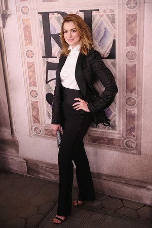 Anne Hathaway - Ralph Lauren Fashion Show in NYC
