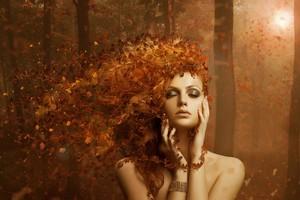 Beautiful Fall Woman 🍂