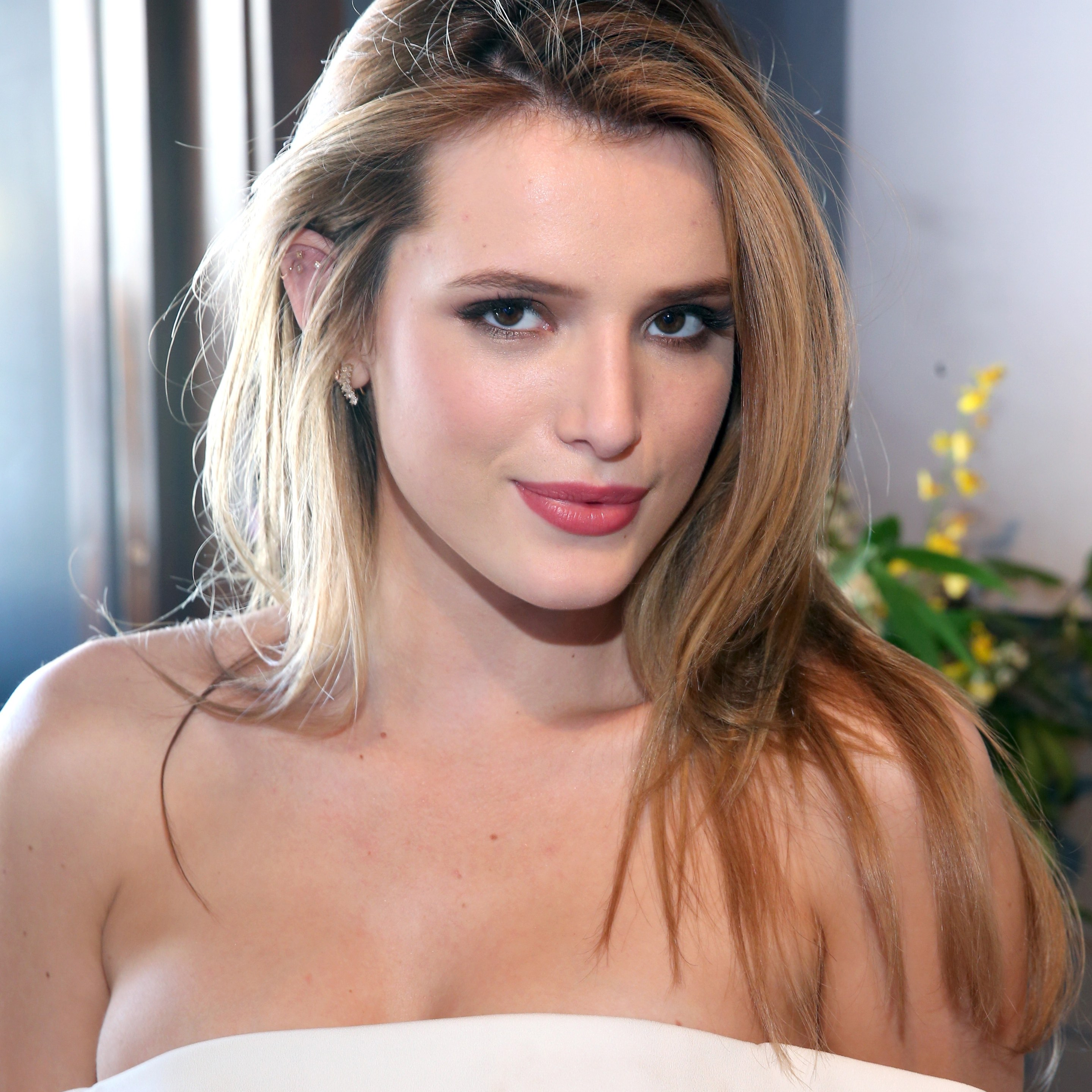Bella Thorne Nude Photos 9