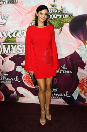 Catherine kampanilya at Hallmark Channel all bituin Party
