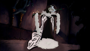 Cruella De Vil's Black and White Outfit