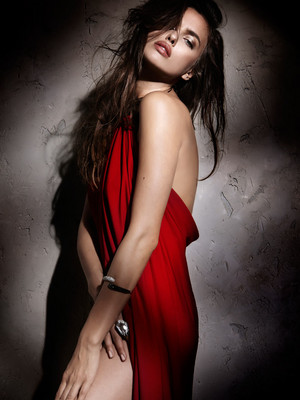 Irina Shayk for Elle Spain [December 2011]