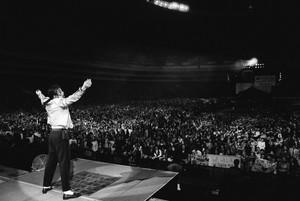 King Of Pop - WORLD'S BIGGEST CROWD PULLER