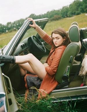 Maisie Williams ~ Elle ~ September 2018