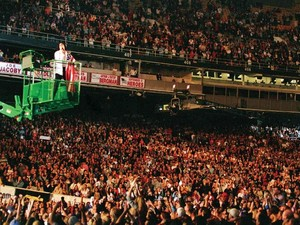 Michael Jackson - World's Biggest Crowd Puller