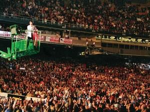 Michael Jackson - World's Biggest Crowd Puller