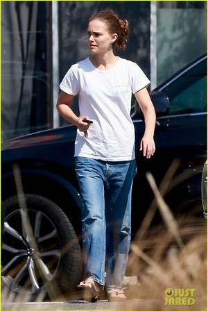 Natalie Portman candids in Los Feliz