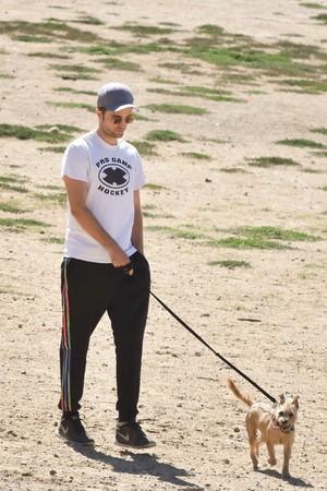 Robert Pattinson With His Dog 💖