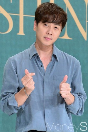 Shinhwa TWENTY press conference 20180828 - Media Pics