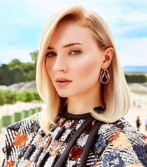 Sophie Turner ~ InStyle: Louis Vuitton's 2018 Charlie's Angels Photoshoot ~ October 2018