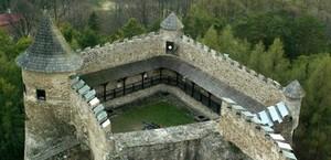 Stará Ľubovňa गढ़, महल