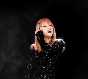 Taylor swift🌹♥
