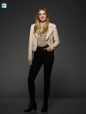 The Bold Type Season 2 Official Picture - Sutton Brady