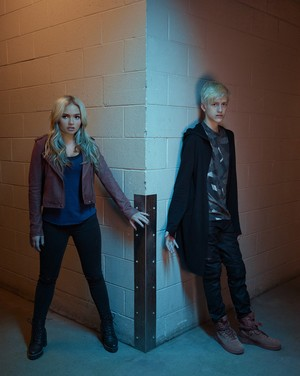 The Gifted Season 2 Official Picture - Lauren and Andy Strucker