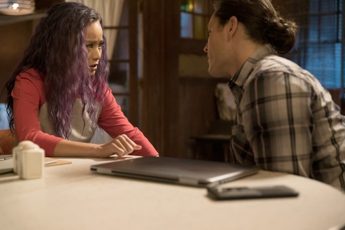 "The Gifted (TV Series) wallpaper titled The Gifted ""coMplications"" (2x03) promotional picture"