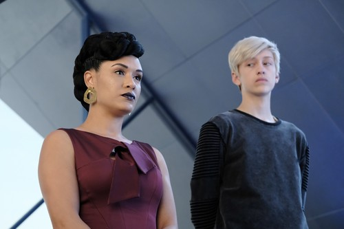 "The Gifted (TV Series) 壁纸 titled The Gifted ""coMplications"" (2x03) promotional picture"