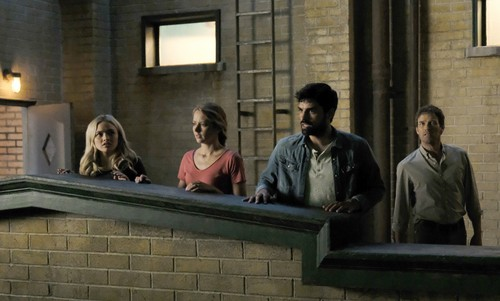 """The Gifted (TV Series) 壁纸 entitled The Gifted """"eMergence"""" (2x01) promotional picture"""