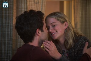 """You """"Living with the Enemy"""" (1x05) promotional picture"""