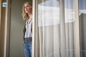 """आप """"The Captain"""" (1x04) promotional picture"""
