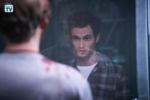 """आप """"The Last Nice Guy in New York"""" (1x02) promotional picture"""