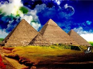 giza pyramids 由 khaalil d56cs3s