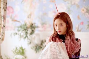 'Love Bomb' MV behind - Jiwon