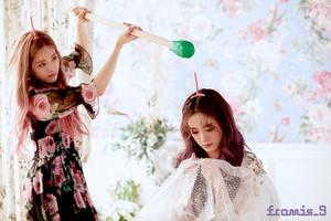 'Love Bomb' MV behind - Jiwon & Gyuri