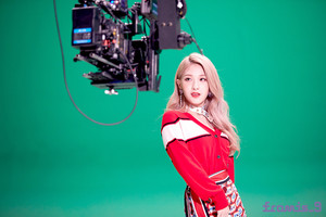'Love Bomb' MV behind - Seoyeon