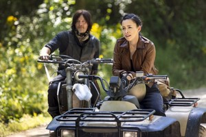 9x01 ~ A New Beginning ~ Rosita and Daryl