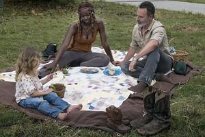 9x03 ~ Warning Signs ~ Michonne, Judith and Rick
