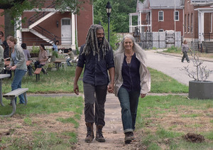 9x06 ~ Who Are 당신 Now? ~ Carol and Ezekiel