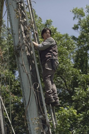 9x06 ~ Who Are wewe Now? ~ Eugene
