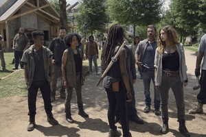 9x06 ~ Who Are Du Now? ~ Kelly, Connie, Aaron, Michonne, Magna and DJ