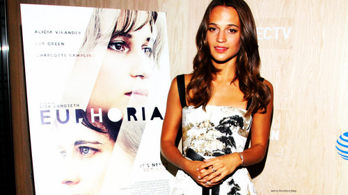 Alicia Vikander wallpaper entitled Alicia Wallpaper